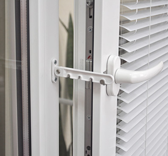 Ограничитель открывания окна L-105, белый
